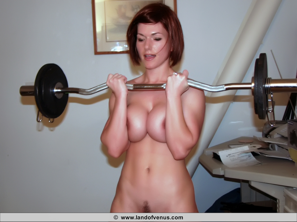 Nude Muscle Girls Working Out