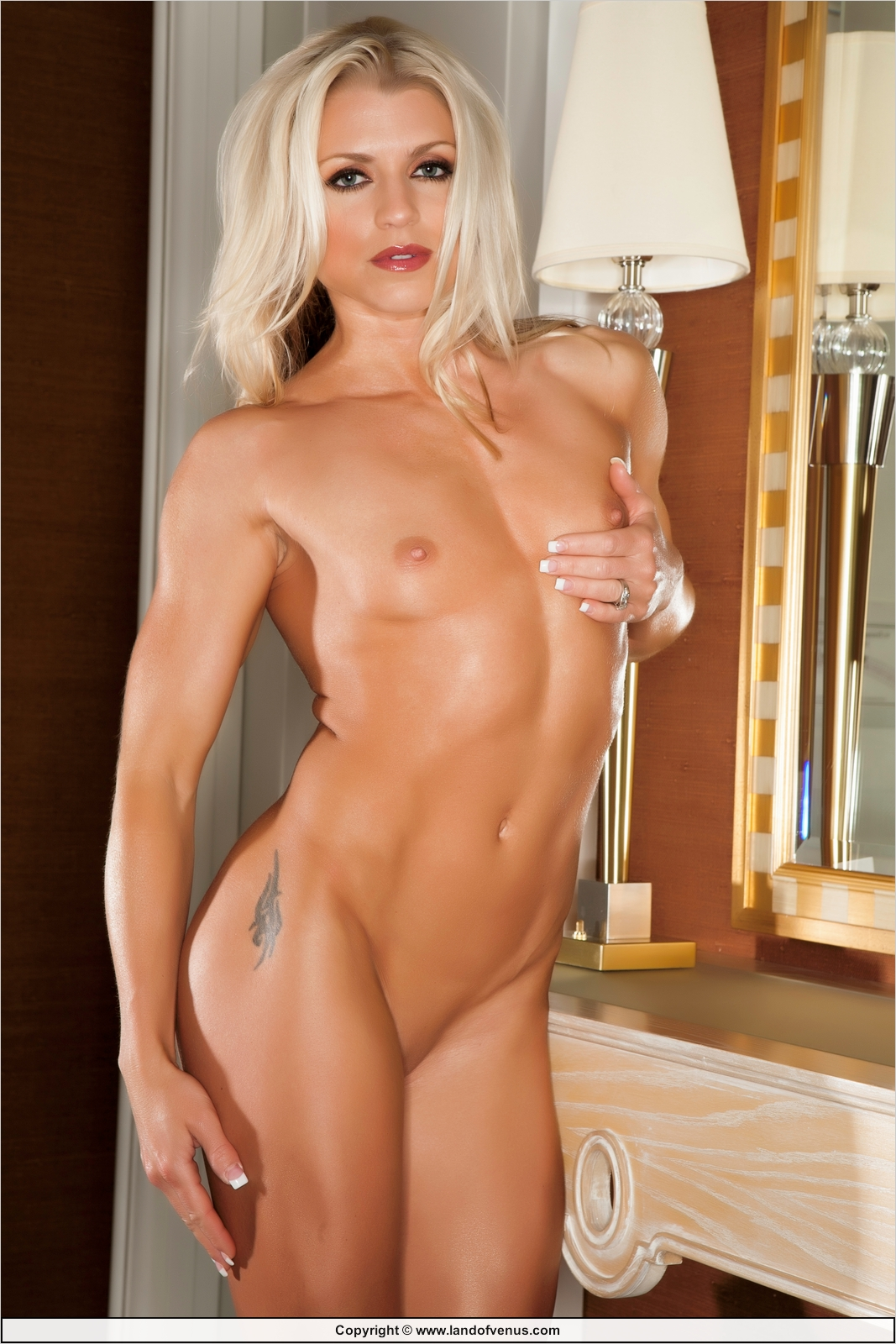 Fawnia mondey nude