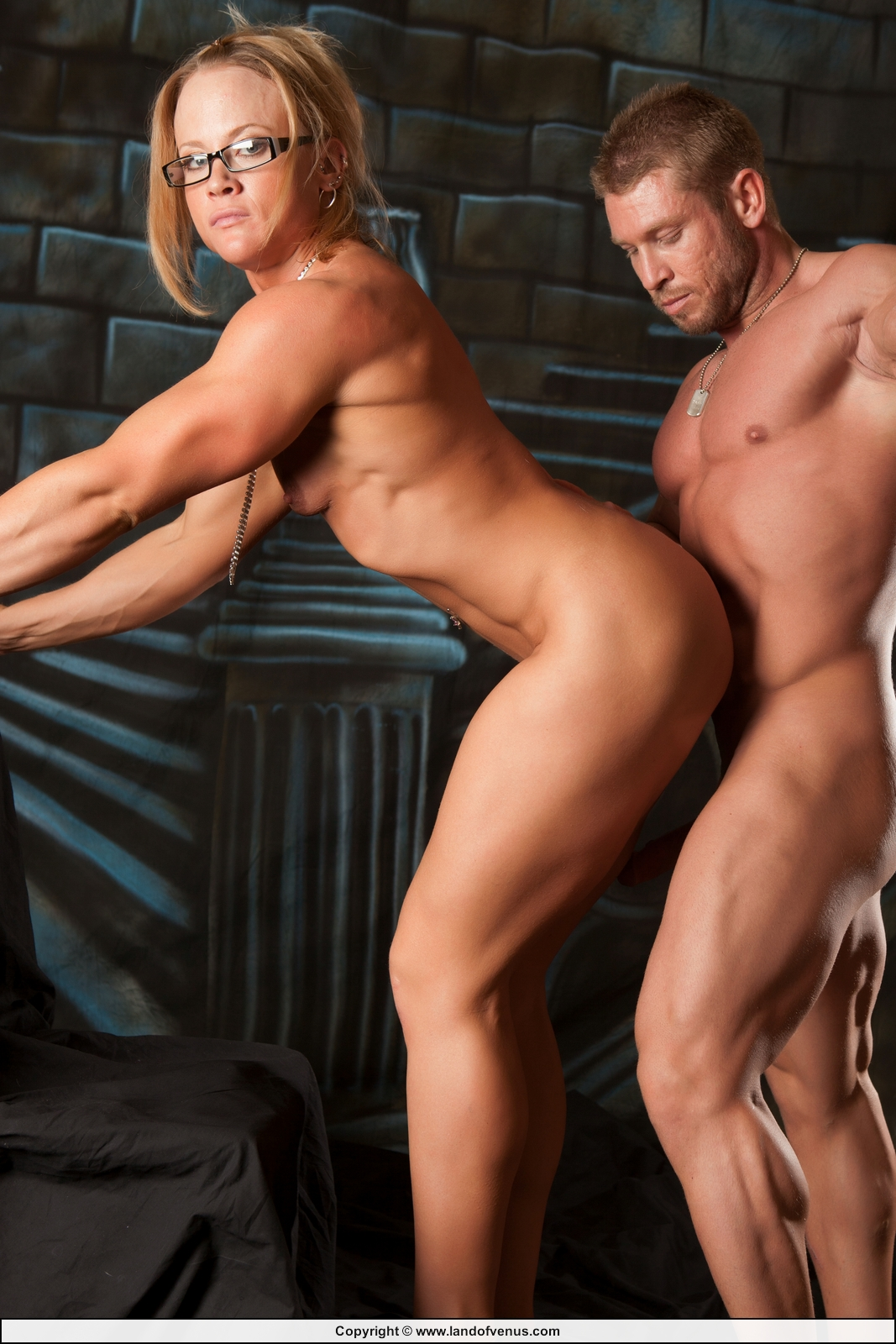 Naked female bodybuilder angela salvagno fucks herself