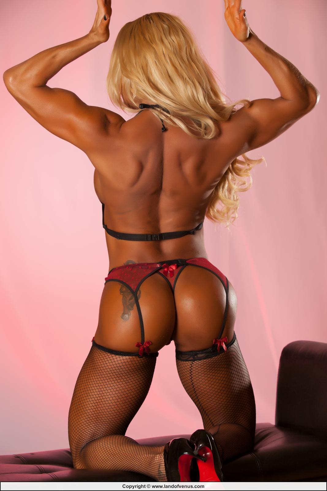 nude bodybuilder Flavia crisos