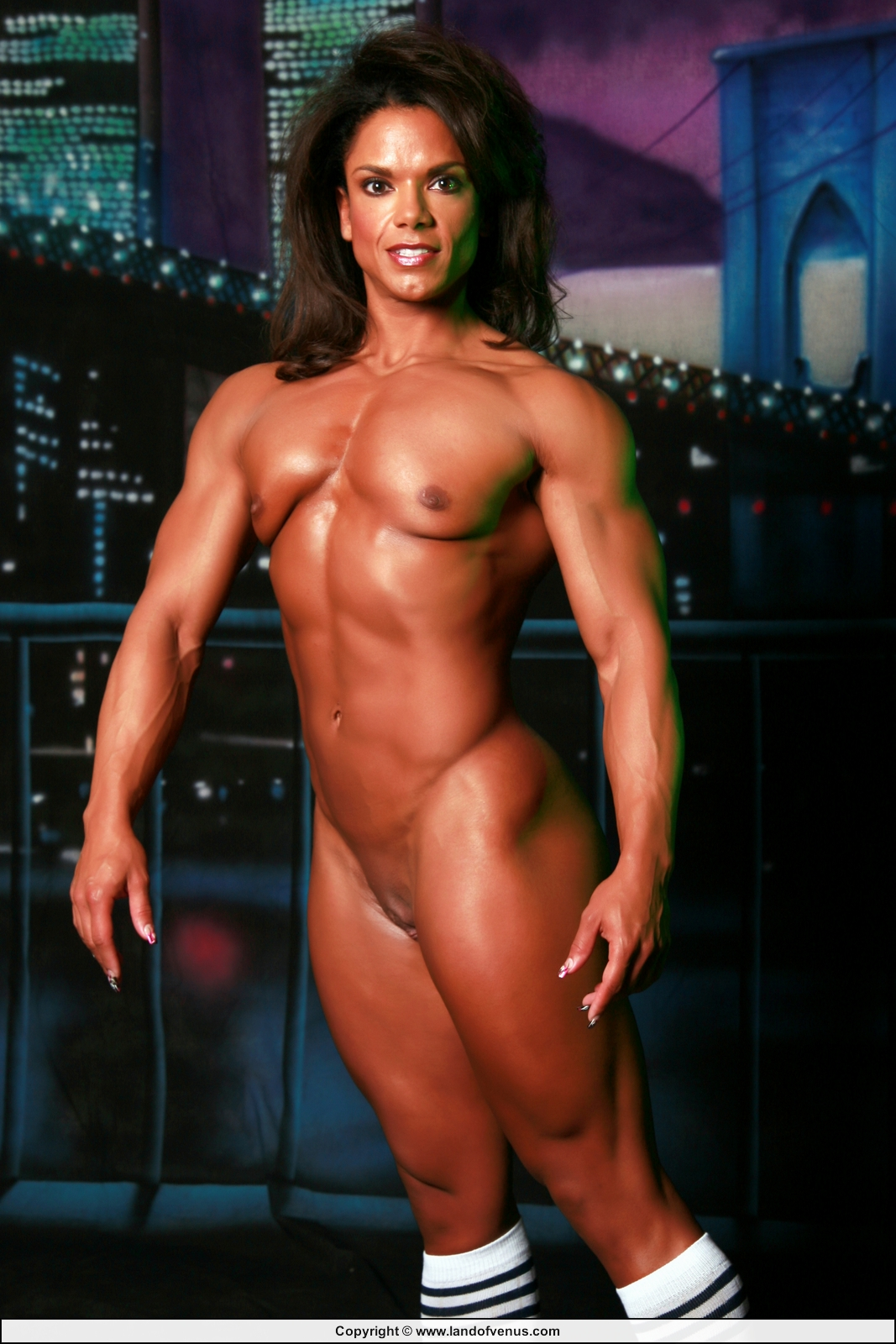women Free nude muscle