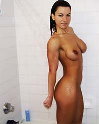 nude muscle girl