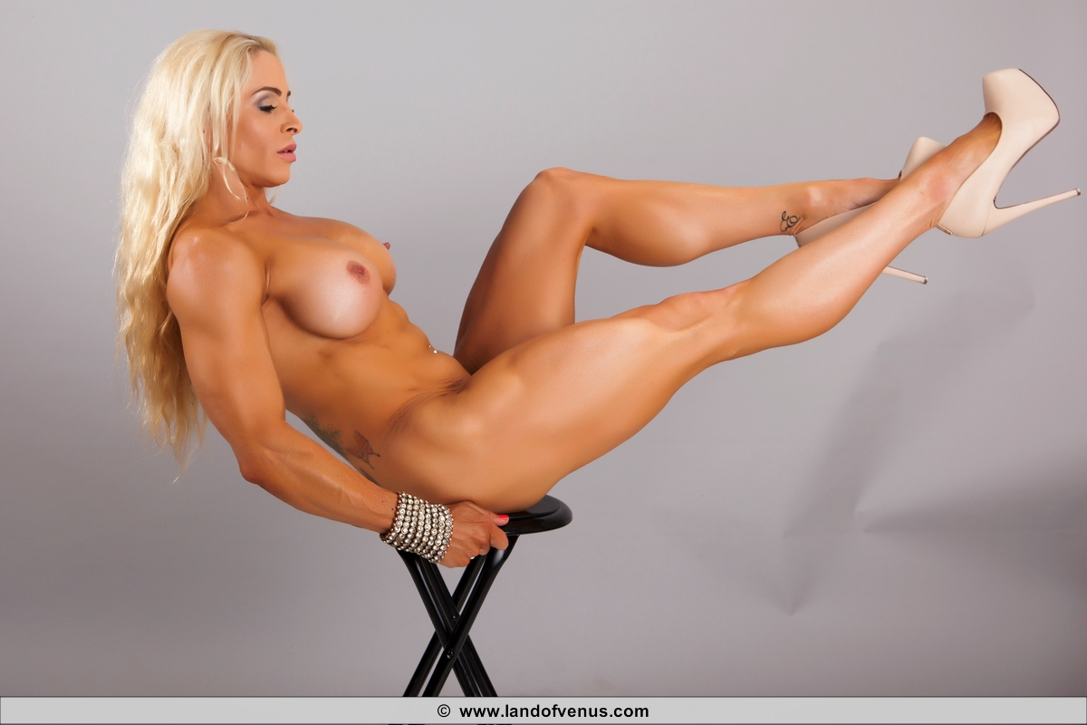 Female bodybuilder jill jaxen gets naked 6