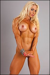naked muscle girl