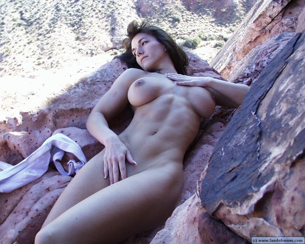 Hot amateurs girls tahitians niked nude