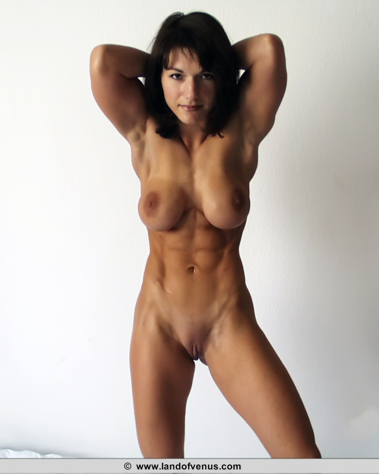 biceps sexy natural female