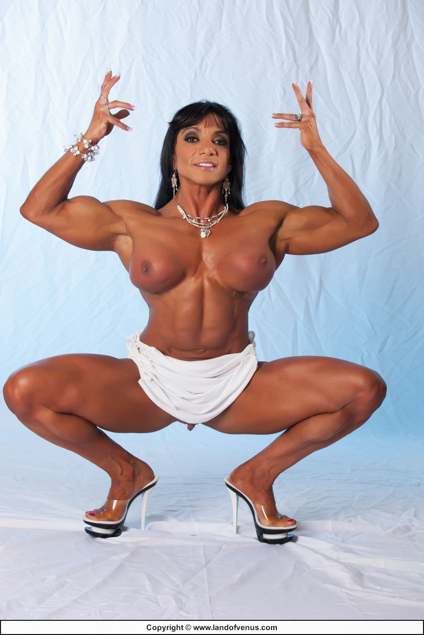 Ripped Muscle Girl Pics